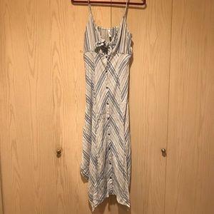 Women's linen style knot front button dress